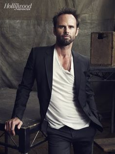 Walton Goggins deserves all the awards