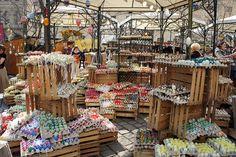 Altwiener Ostermarkt (Eastermarket) - have some eggs! all handblown and handpainted.