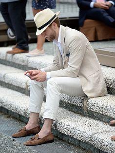 ハットをかぶるなら全体をシンプルに | メンズファッションの決定版 | MEN'S CLUB(メンズクラブ)