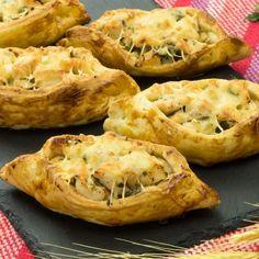 Bărcuțe din aluat foietaj cu piept de pui- cu acest aperitiv nu vei da greș niciodată! - savuros.info
