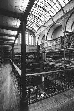 The beautiful Bibliotheek at the Rijksmuseum - Amsterdam in Black & White - eatrepeat.blogspot.com