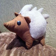 genähter Igel nach Funkelfaden sewing hedgehog Hedgehog, Dinosaur Stuffed Animal, Sewing, Toys, Animals, Craft Tutorials, Hare, Animais, Animales