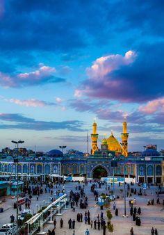 The shrine of Hazrat Ali (AS), Najaf. Karbala Iraq, Imam Hussain Karbala, Baghdad, Islamic Images, Islamic Pictures, Karbala Video, Karbala Pictures, Imam Hussain Poetry, Imam Reza