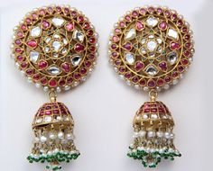 Gold Jewelry In Pakistan Indian Jewellery Design, Indian Jewelry, Jewelry Design, Indian Wedding Jewelry, Gems Jewelry, Jewelry Shop, Bridal Jewelry, Fine Jewelry, Jewelry Making
