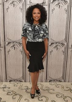 Lynn Whitfield Print Blouse - Lynn Whitfield attended the AOL Build Speaker Series wearing a black-and-white palm-print blouse.