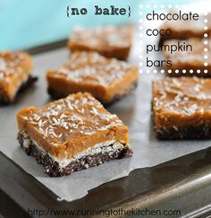 These no bake chocolate coco pumpkin bars are a paleo treat made with pumpkin, dates, cocoa and coconut. Delicious and guilt-free! Desserts Crus, Raw Desserts, Just Desserts, Delicious Desserts, Paleo Dessert, Healthy Sweets, Dessert Recipes, Dessert Bars, Healthy Foods