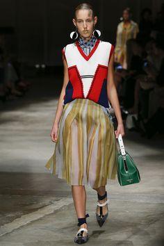 Prada Spring 2016 Ready-to-Wear Collection Photos - Vogue   http://www.vogue.com/fashion-shows/spring-2016-ready-to-wear/prada/slideshow/collection#32