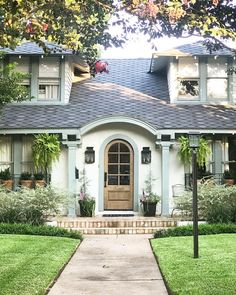 Awesome 48 Outstanding Cottage House Exterior Design Ideas To Try Asap Exterior Colors, Exterior Paint, Exterior Design, French Cottage, Cottage Style, Tudor Cottage, Cottage Exterior, Cute House, Cottage Homes