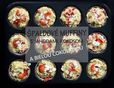 Špaldové muffiny s jahodami, kokosom a bielou čokoládou