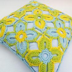 crochet pillow topper. Beautiful design!