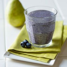 pear-oatmeal-and-blueberry-breakfast-smoothie