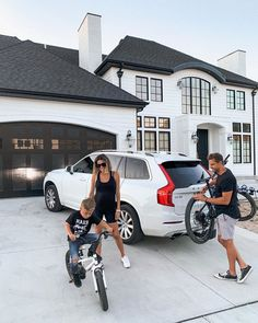 Summer nights, loading the bikes getting ready to explore. Still my favorite car we've ever owned ❤️ Cute Family, Baby Family, Family Goals, Family Life, Family Guy Quotes, Christine Andrew, Family Illustration, Future Mom, Volvo Xc90