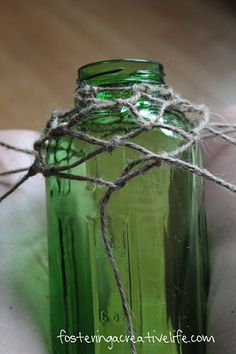 How to fishnet a bottle with jute