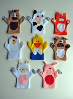 Old MacDonald puppet tutorial. Adorable hand puppets made from felt. Patterns for all animals shown, plus Old McDonald himself. - would be cool to shrink down and do as finger puppets! Felt Puppets, Felt Finger Puppets, Animal Hand Puppets, Kids Crafts, Felt Crafts, Puppet Crafts, Family Crafts, Fabric Crafts, Sewing Crafts