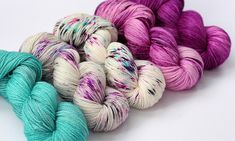 SO FADED sweater set hand dyed yarn blue-pink-berry Sweater Set, Hand Dyed Yarn, Yarn Colors, All The Colors, Color Inspiration, Berry, Indie, Stitch, Crochet