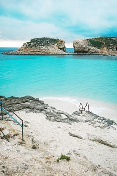 Travel Guide to Malta: 10 Things to See & Do Have A Great Vacation, Great Vacations, Malta Blue Lagoon, Malta Travel Guide, Malta Beaches, Malta Island, Most Beautiful Beaches, Beautiful Places, Voyage Europe