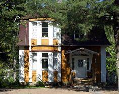 Kaljaasintie 2 - Hietasaari Finland, Cabin, House Styles, Home Decor, Decoration Home, Room Decor, Cottage, Interior Decorating, Cottages