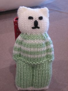 Knit a bear from a square