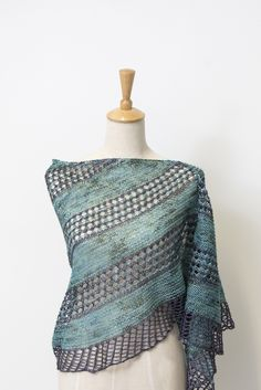Ravelry: On the Road shawl with Lanitium ex Machina Silky BFL Sock - knitting pattern by Janina Kallio.