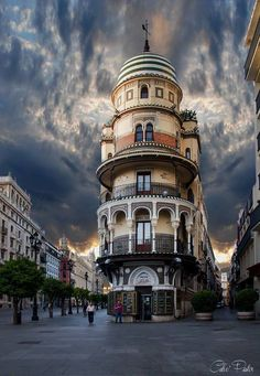 Torre Filella or La Adríatica building in Seville - Andalusia, Spain Most Beautiful Cities, Beautiful Buildings, Wonderful Places, Places To Travel, Places To Visit, Madrid, Seville Spain, Andalusia Spain, Alhambra Spain