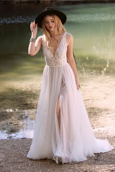 On the hunt for the perfect wedding dress? View the newest Willowby Fall 2020 Wedding Gowns. Boho Wedding Dress, Designer Wedding Dresses, Boho Bride, Boho Gown, Chic Wedding, Dream Wedding, Happy Brautmoden, Bridal Gowns, Wedding Gowns