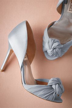 Blue wedding shoes / Knotted DOrsay Pumps from @BHLDN