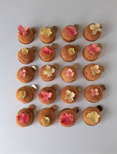 Bespoke Choux Buns to compliment the Wedding Cake  #weddingfavours #choux #luxuryfavours Wedding Desserts, Wedding Favours, Wedding Cakes, Choux Buns, Couture Cakes, Mini Cupcakes, Dessert Table, Beautiful Cakes, Luxury Wedding