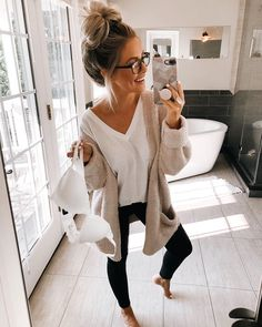 Shop Your Screenshots™ with LIKEtoKNOW.it, a shopping discovery app that allows you to instantly shop your favorite influencer pics across social media and the mobile web. Cute Lounge Outfits, Cute Lazy Outfits, Mom Outfits, Fall Outfits, Fashion Outfits, Summer Outfits, Outfit Winter, Simple Outfits, School Outfits
