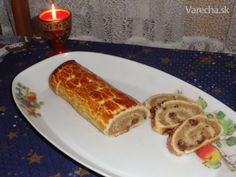 Sviatočný orechový závin (fotorecept) Christmas Goodies, Christmas Baking, Sweet Desserts, Dessert Recipes, Eastern European Recipes, Easter Recipes, Food To Make, French Toast, Breakfast