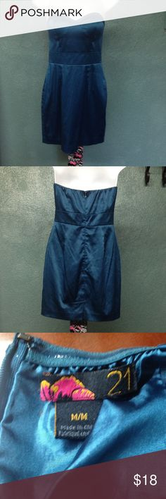 Sexy Teal Strapless Dress! This sexy strapless eye catcher is Forever 21 and it's a Size Medium. Dress is pre-loved. It has been worn and washed. Dress is in great condition. Forever 21 Dresses Strapless
