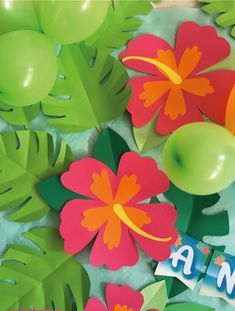 Paper hibiscus flowers for Moana party Aloha Party, Hawaiian Luau Party, Tiki Party, Moana Party, Moana Birthday Party, Luau Birthday, Hawaiian Birthday Parties, Flamingo Party, Birthday Decorations