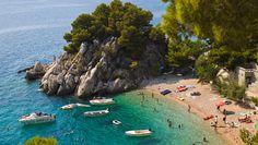 Om du, liksom jag, avstått från att semestra med småbarn i Kroatien på grund av steniga stränder och klippor är det dags att tänka om. Här listar vi landets 10 bästa barnstränder enligt den kroatiska familjeportalen www.klokanica.hr.