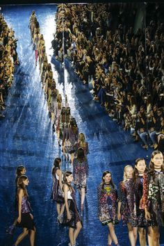 Mary Katrantzou Spring 2016 Ready-to-Wear Fashion Show Atmosphere