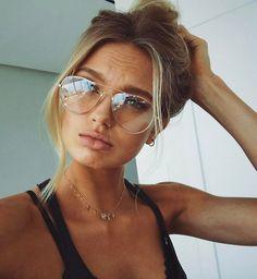 Romee Strijd in Gucci Aviator glasses Gold Metal (Web) Cute Glasses, Girls With Glasses, Glasses Frames, Cheap Eyeglasses, Eyeglasses For Women, Clear Round Glasses, Lunette Style, Aviator Glasses, Beauty Junkie