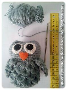 I like the use of the crocodile stich.Now to translate Owl Crochet Patterns, Crochet Birds, Owl Patterns, Love Crochet, Amigurumi Patterns, Crochet Animals, Crochet Baby, Knit Crochet, Crocodile Stitch