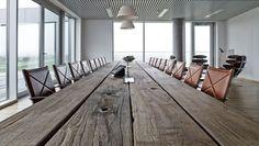 Mosaic Plankeborde - smukke borde i genbrugstræ Corporate Office Design, Corporate Interiors, Office Interior Design, Interior And Exterior, Sustainable Furniture, Sustainable Design, Danish Furniture, Furniture Design, Reclaimed Wood Furniture