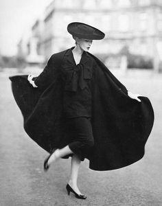 Dovima ~ Paris ~ photo by Avedon ~1955