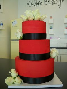 Red wedding cake ... For a Wedding Cake Guide ... https://itunes.apple.com/us/app/the-gold-wedding-planner/id498112599?ls=1=8  ... The Gold Wedding Planner iPhone App.