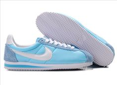 Love these vintage Nike Cortez!