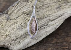 18K White and Rose Gold Pendant with Round Diamonds