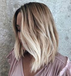 ⚠️💛 this morning on I'm revealing my major key 🔑 to those perfectly relaxed waves I posted a couple days ago. Hair Inspo, Hair Inspiration, Kristin Ess, Bronde Balayage, Lob Haircut, Hair Flip, Hair Color And Cut, Queen Hair, Brunette To Blonde