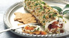 An impressive cheese roll is easy to make when you use cream cheese, dried fruit and goat cheese. The nutty coating is a nice complement. Dried Figs, Fresh Figs, Dried Fruit, Cheese Log, Cheese Ball, Goat Cheese, Dried Fig Recipes, Roulade Recipe, Appetizer Recipes