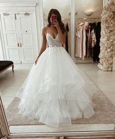 Pretty Wedding Dresses, Cute Prom Dresses, Wedding Dress Trends, Gorgeous Wedding Dress, Stunning Dresses, Bridal Dresses, Wedding Gowns, Wedding Ideas, Rustic Wedding