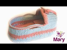 Culla all'uncinetto   port enfant   baby basket crochet - YouTube Crochet Squares, Crochet Stitches, Crochet Baby, Knit Crochet, Baby Moses, Moise, Nursery Accessories, Baby Baskets, Moses Basket