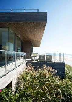 Private Ocean Front Home with Beautiful Surroundings | http://www.designrulz.com/outdoor-design/garden/2012/04/private-ocean-front-home-with-beautiful-surroundings/