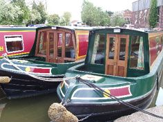 A variety of boat holiday destinations and suggestions for new and experienced narrowboaters alike. Canal Boat Narrowboat, Narrowboat Holidays, Canal Barge, Narrowboat Interiors, Dutch Barge, Living On A Boat, Architecture Life, Retro Campers, Life Aquatic