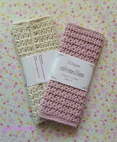 Anneliinin Aarteet : toukokuuta 2015 Christmas Stockings, Knit Crochet, Diy Crafts, Sewing, Knitting, Holiday Decor, Crocheting, Socks, Needlepoint Christmas Stockings