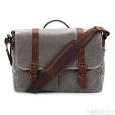 The Brixton Smoke - ONA Bags Handgefertigt aus wasserfestem Canvas Stoff und echtem Leder. Eine Kameratasche die Design und Funktionalität optimal miteinander kombiniert.  Kameratasche | Fototasche | shootbags.com