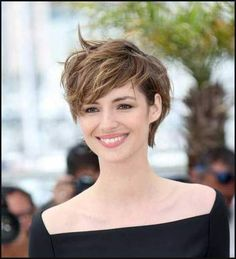 317 Besten Frisuren Bilder Auf Pinterest In 2019 Pixie Cuts Short