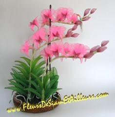 Nylon Flowers, Diy Flowers, Fabric Flowers, Nylon Crafts, Ribbon Projects, Fleurs Diy, Fabric Flower Tutorial, Nylon Stockings, Gerbera